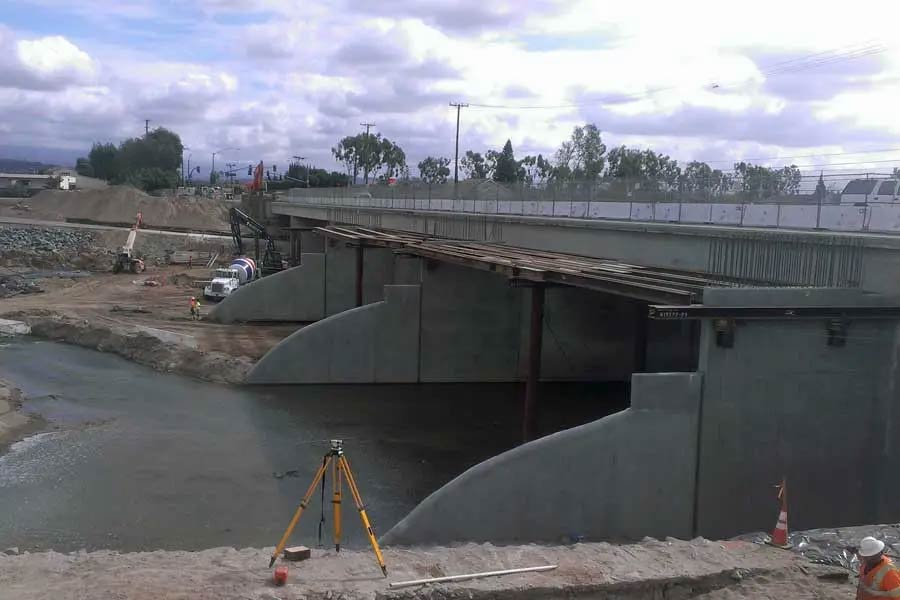 Lincoln Avenue Bridge Widening